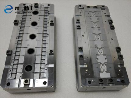 Die box for mould sealing of semiconductor and integrated circuit